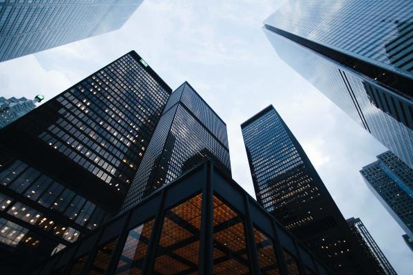 Seeking yield with corporate bonds